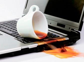 Ноутбук залит водой